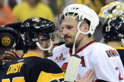 Ottawa Senators want veteran Dion Phaneuf to waive no-movement clause in contract