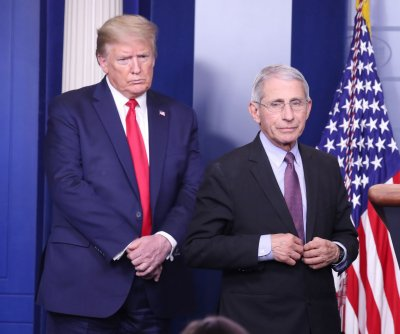 Trump mocks Fauci, downplays COVID-19 at Arizona rally