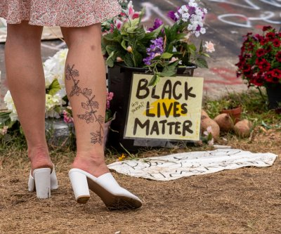 Vancouver, Wash., braces for unrest after fatal police shooting of Kevin Peterson