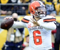 Browns pick up $18.8M option on QB Baker Mayfield