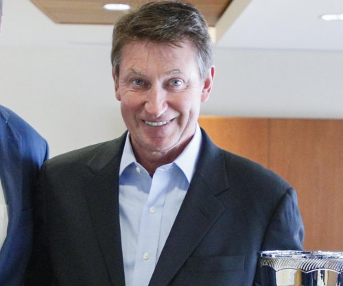 Hockey legend Wayne Gretzky joins Turner Sports as analyst