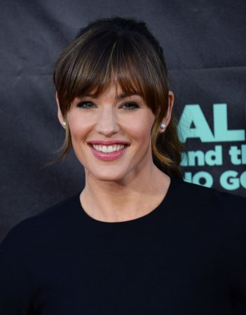 Jennifer Garner talks mom role in 'Men, Women and Children'