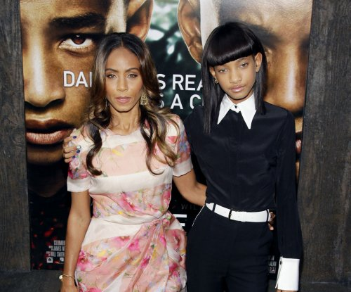 Willow Smith supports Jada Pinkett Smith at BET's Black Girls Rock!