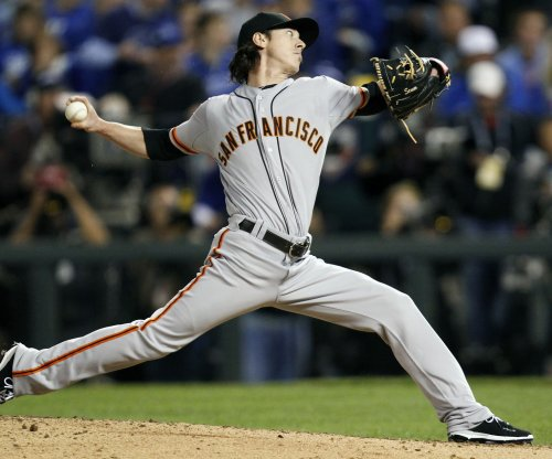 Los Angeles Angels, RHP Tim Lincecum complete deal
