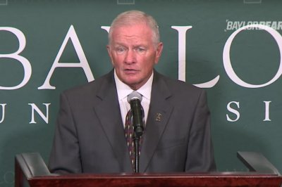 Jim Grobe attempting to 'steady ship' at Baylor