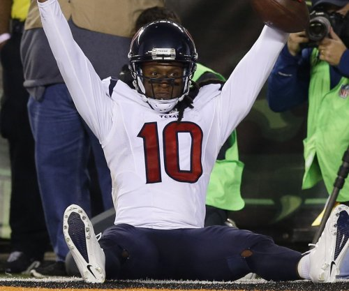 DeAndre Hopkins no-show at Houston Texans camp