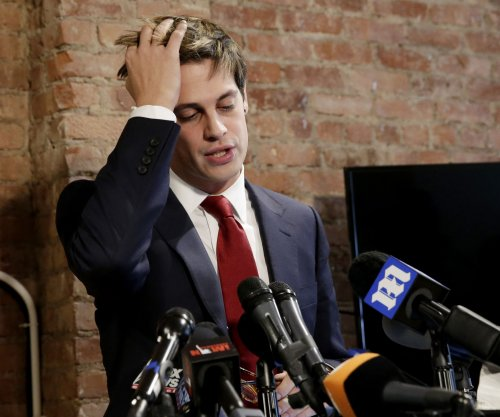 Breitbart editor Yiannopoulos quits amid firestorm over teen sex comments