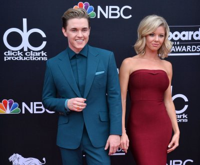Singer Jesse McCartney, actress Katie Paterson engaged