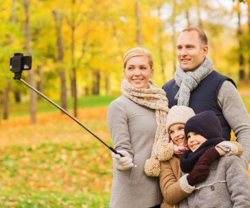 South Korea cracking down on bootleg selfie sticks