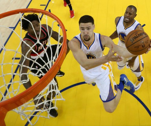 Golden State Warriors blitz Blazers in 4th quarter, take 2-0 series lead