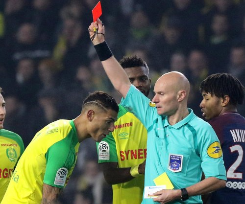 Referee banned for trying to trip Nantes player vs. PSG