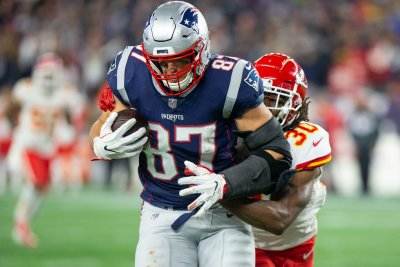 Rob Gronkowski reports improvement in advance of MNF matchup