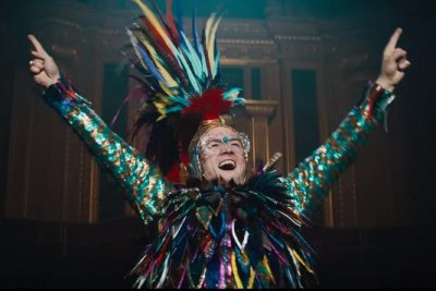 'Rocketman': Taron Egerton sings as Elton John in first trailer