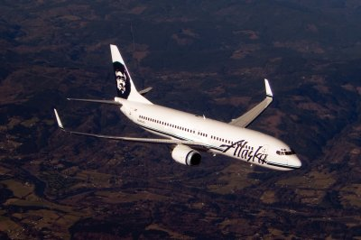 American, Alaska Airlines expand alliance, add int'l flights from Seattle