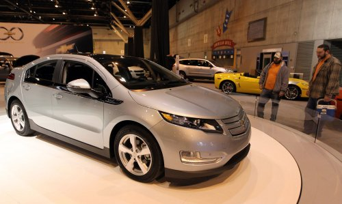 GM backs up Volt with loaner program