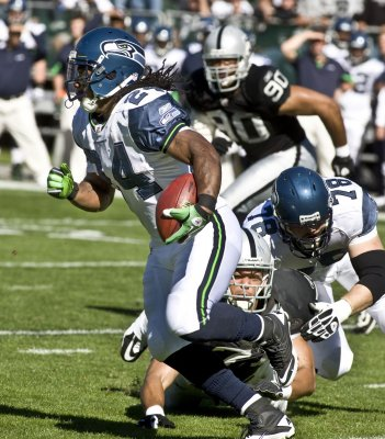 NFL: Oakland 33, Seattle 3