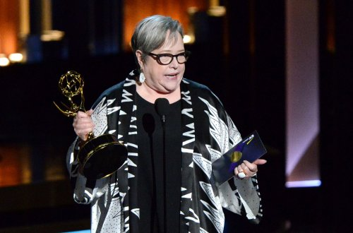 Kathy Bates wanted to dedicate her Emmy to Robin Williams