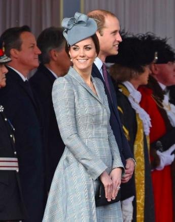 Kate Middleton resumes royal duties after pregnancy announcement