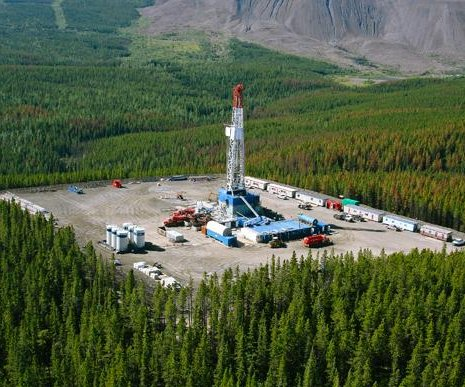 Canadian oil sector edging forward