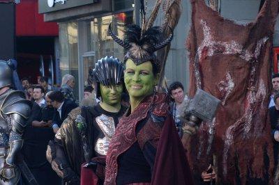 Jamie Lee Curtis, son Thomas cosplay at 'Warcraft' premiere