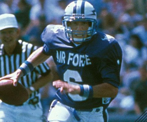 Former Air Force QB Dee Dowis dies in car accident