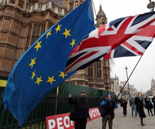 EU advises British PM Theresa May ahead of key Brexit vote