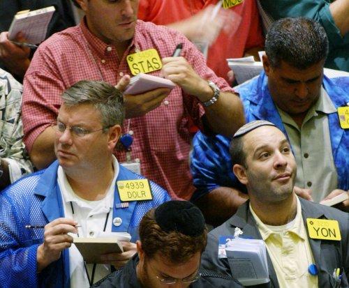 Weak start for oil prices ahead of data dump