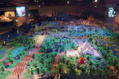 'Lord of the Rings' plastic block diorama breaks Guinness record