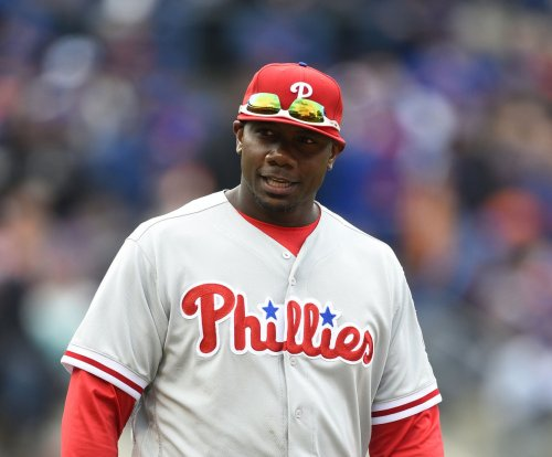 Philadelphia Phillies 1B Ryan Howard upset over throw bottle