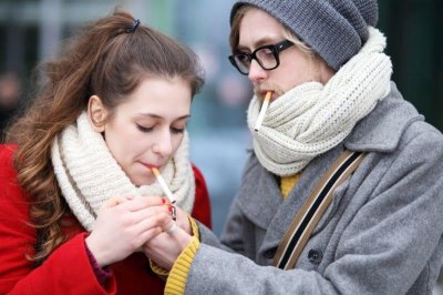 'Low-risk' teens more likely to transition from e-cigs to smoking