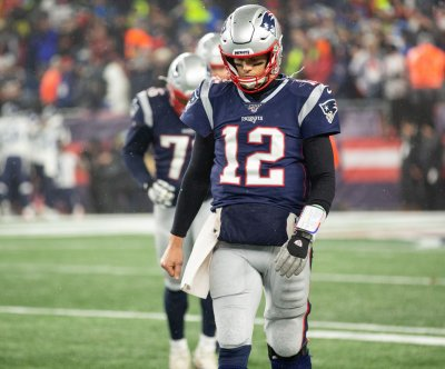 Tom Brady not talking with Patriots, open to joining other teams