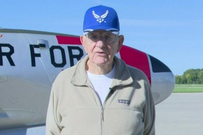 90-year-old Vietnam vet flies T-33 Fighter Jet again in Wisconsin