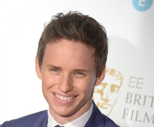 Eddie Redmayne wins BAFTA, recalls vomiting at same event three years ago