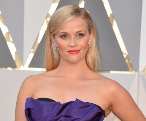 Reese Witherspoon, Mindy Kaling may join 'A Wrinkle in Time'