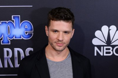Ryan Phillippe says he's not dating Katy Perry: 'Stop flying helicopters over my house'