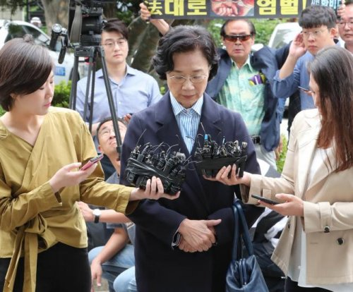 Prosecutors seek arrest warrant for wife of Korean Air chairman
