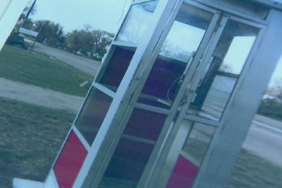 Colorado town pleads for return of stolen phone booth