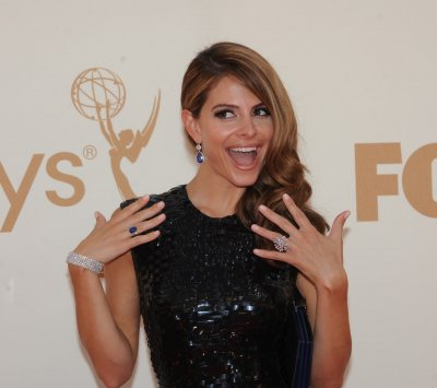 Menounos gets the boot on 'Dancing'