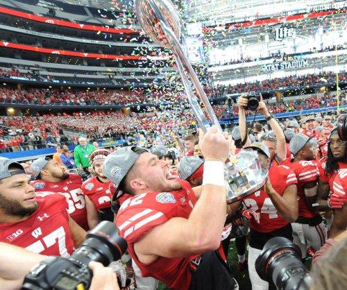 Wisconsin Badgers LB T.J. Watt decides to enter NFL draft