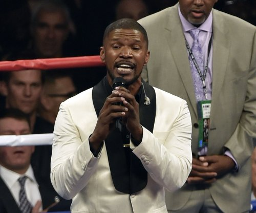 Jamie Foxx reacts to national anthem criticism, says 'the telecast was off'