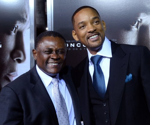 Sony Pictures offers NFL players, families free admission to 'Concussion'