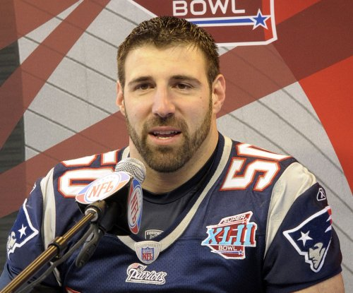 Houston Texans to promote Mike Vrabel to DC, keep Romeo Crennel