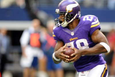 Adrian Peterson hitting free agency after Minnesota Vikings decline option