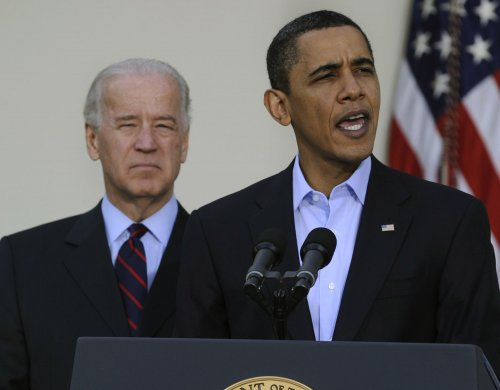 Obama, Biden spend day out of public eye
