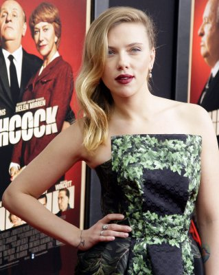 Johansson says she tried out for Hathaway's role in 'Les Mis'