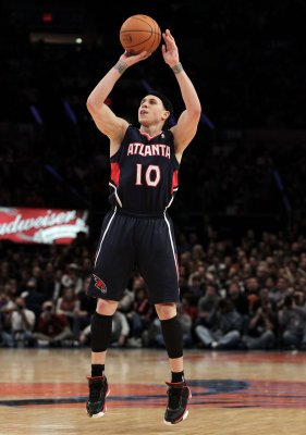 Veteran guard Bibby signs with Heat
