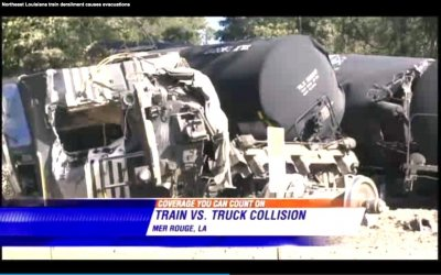 Train carrying liquid argon derails in northern Louisiana town