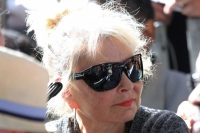 Roseanne Barr says she is slowly going blind