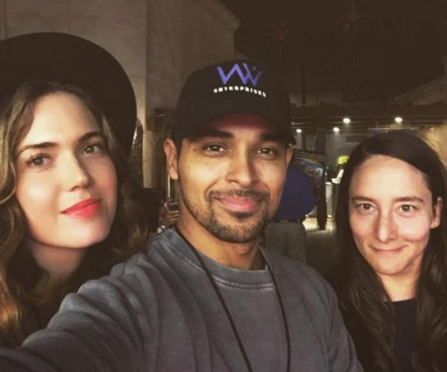 Mandy Moore hangs out with ex Wilmer Valderrama