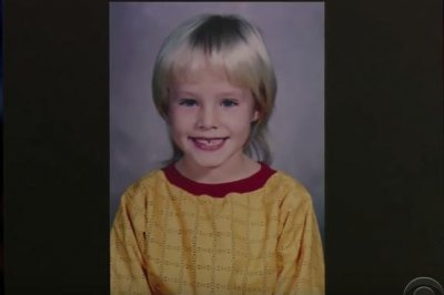 Kristen Bell shares 'disastrous' childhood haircut on 'Late Late Show'